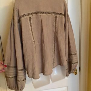 Free People Tops - Gray Top FREE PEOPLE Billow Long Sleeve Crochet